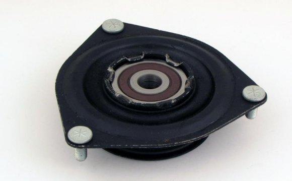 Опора амортизатора заднего, правого на Toyota Venza 2012 года